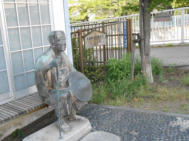 深川採荼庵跡の芭蕉像